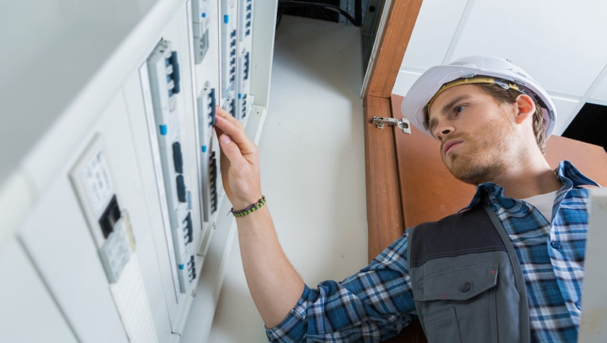 Electricians Pros and cons